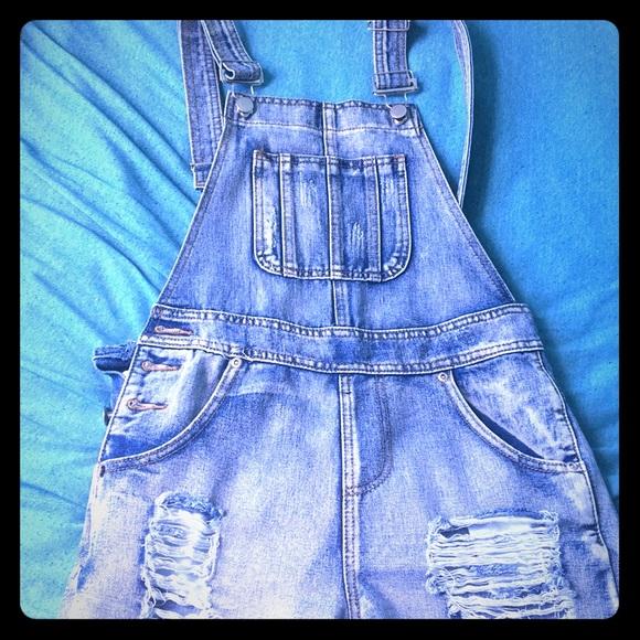 Boohoo Denim - cute summer short overalls